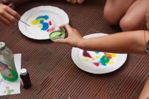 Tensione superficiale esperimenti - Arcobaleno in un piatto di latte