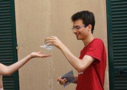 Tensione superficiale - Acqua sospesa nel vuoto